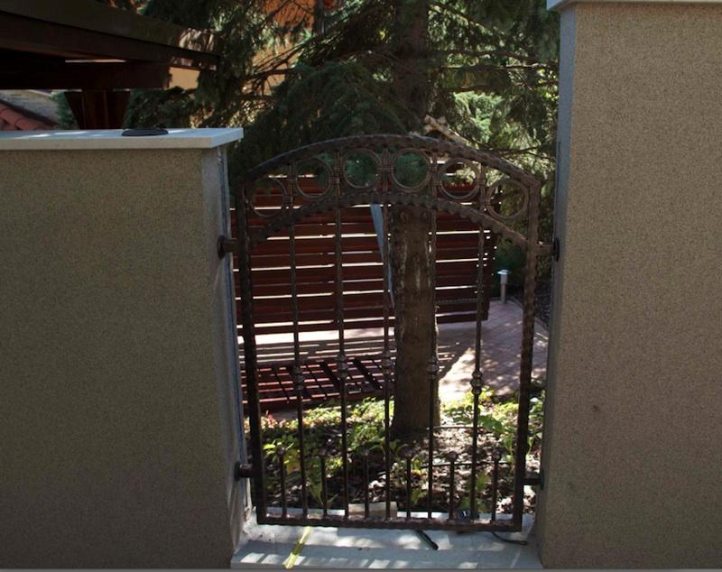 schmiedeeisern zaun erben schmiedeeisen z une vom hersteller. Black Bedroom Furniture Sets. Home Design Ideas